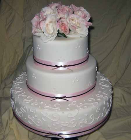 Lovely tasty wedding cake